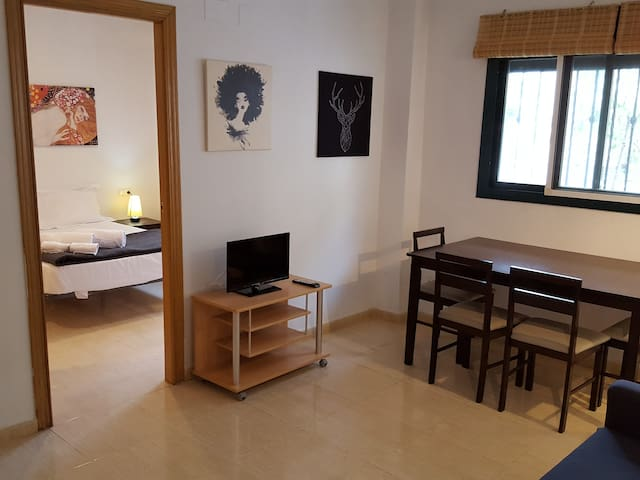 Charming apartment only 15min away from the center - Manises - Apartamento
