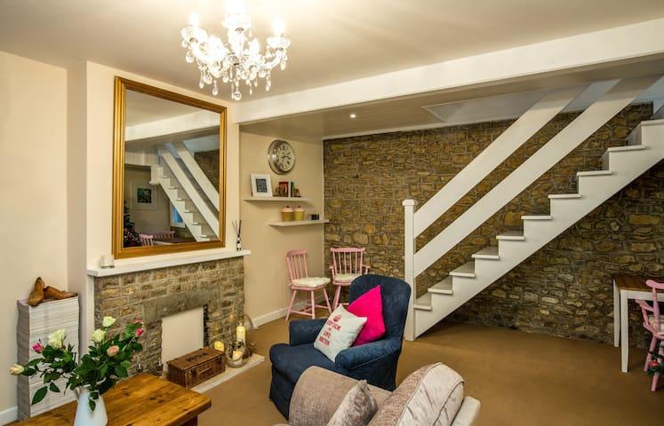 Mint Leaf Cottage, Bruton (FREE Parking/FREE WiFi) - Bruton - Huis