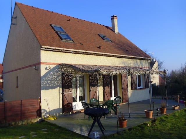 Pavillon individuel à 30 min au Sud de Paris. - Lardy - Casa
