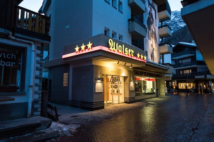 Hostel Walser - Saas-Fee - House