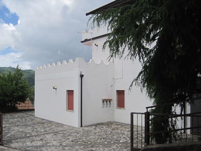 Appartamento panoramico a Rivello - Prato - Departamento