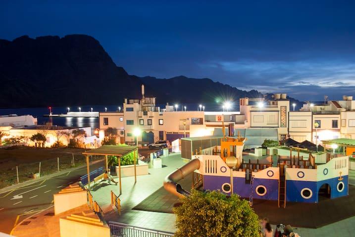 Apartamento con Vistas al Mar y a las Montañas - Puerto de las Nieves - Leilighet