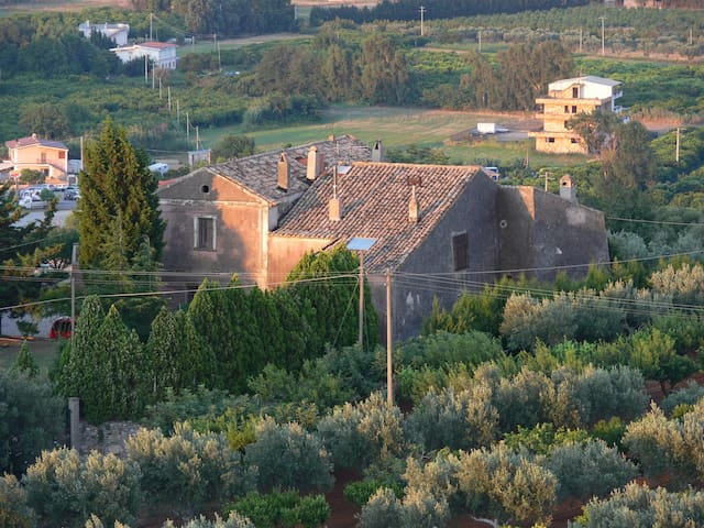 Residieren in 1000 jähriger Burg - La Petrizia - Huis