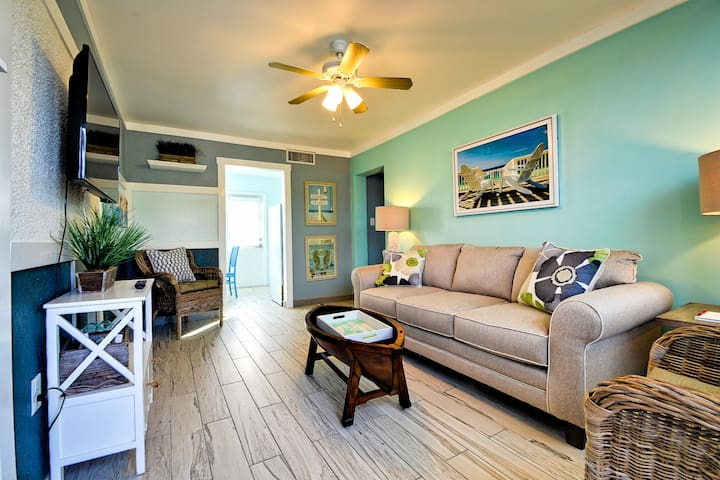 Newly Renovated Beach Condo - Clearwater