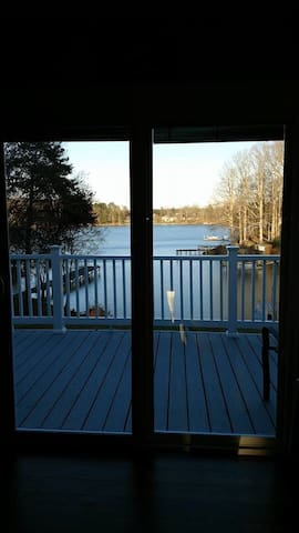 Twin Oaks Lake Cottage - Sherrills Ford