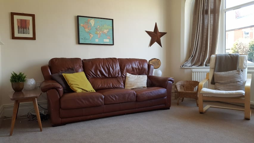 Lovely family home by the sea. - Lytham Saint Annes - Casa