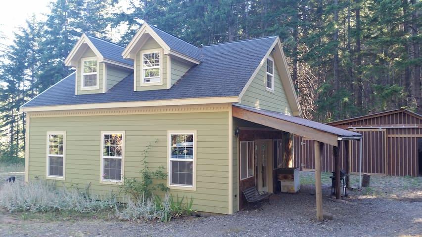 Rejuvenating forested getaway - Lyle - Casa