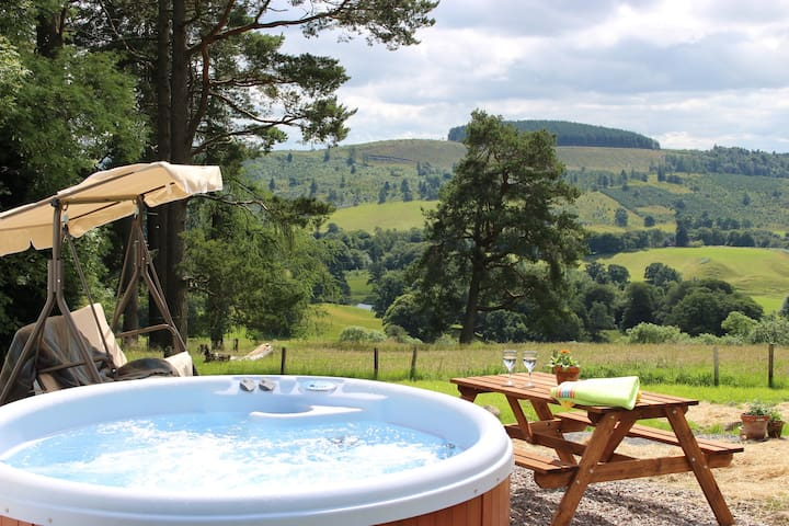 Cosy cottage for two on beautiful hillside setting - Crieff - Dom