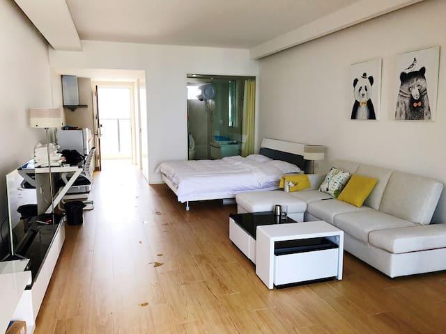小径湾单间海景大床房、、配套齐全、简约风、提供Wi-Fi、情侣首选 - 惠州 - Wohnung
