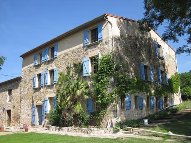 Grande maison avec piscine en pleine nature - Puivert - Casa