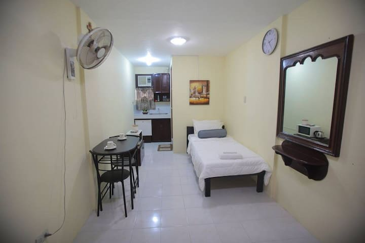 Furnished Studio Single Beds for Friends & Family - Naga - Appartamento