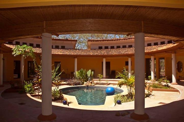 betw. Playa Conchal/Playa Flamingo - Playa Brasilito - Villa