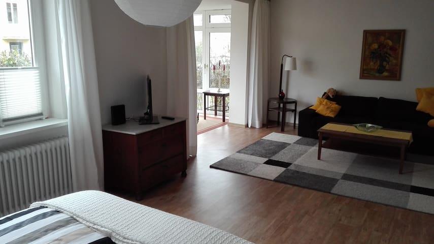 40m2 Zimmer mit Wintergarten - Oldenburg - Leilighet