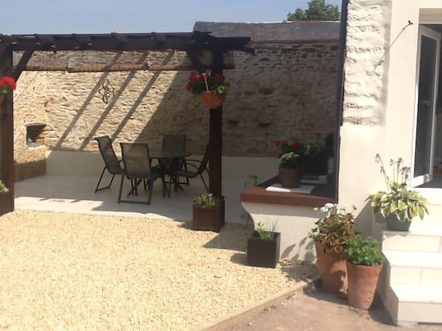La Grange. A luxurious barn conversion. Stunning ! - Irais - Casa