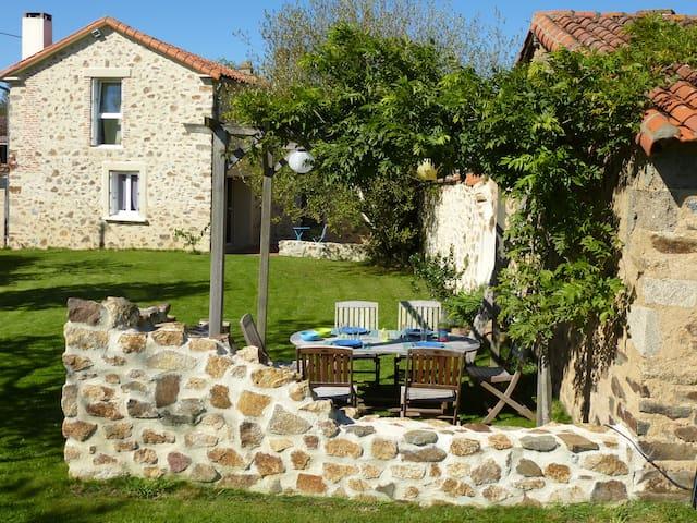 Belle maison à 25 min du Puy du Fou - Cerizay - Casa
