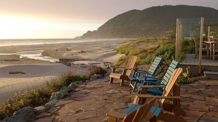 Newly Remodele, Large Luxury Oceanfront Home - Manzanita - Ev