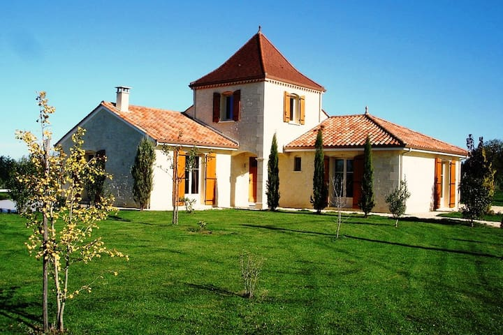 Maison Larnolia heerlijke sfeervolle vakantievilla - Saint-Médard-d'Excideuil - Villa