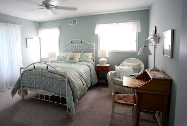Peaceful, clean B&B in Milford, PA - Milford - Aamiaismajoitus