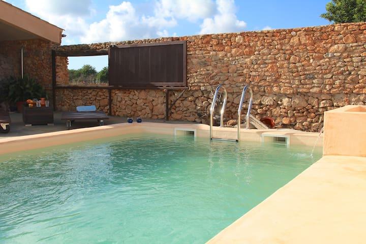 Cute house w/pool between vineyards & Cyclist ways - Santa Eugènia - Hus