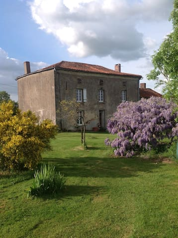 Wisteria House - Chanteloup - Bed & Breakfast