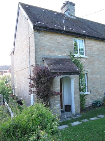 2 Bed Cottage, Wareham, Purbeck Countryside - Wareham - House