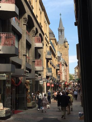 Zauberhaftes Apartment zwischen Dom und Rathaus - Aachen - Lägenhet