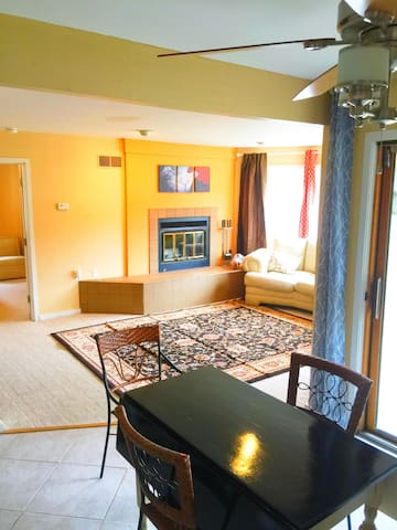 Charming 2bd Condo-Don't miss the Poconos Spring!! - Shawnee on Delaware - Appartement en résidence