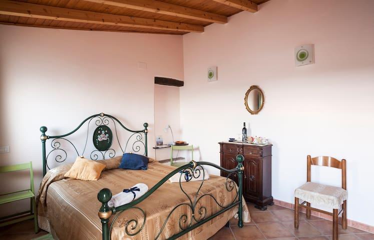 Vin Vinner Farm Room Sicilia - Santa Lucia del Mela - Leilighet