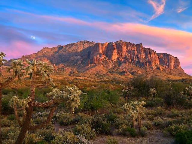Sleepy Hollow in the Superstitions - Gold Canyon - Autocaravana