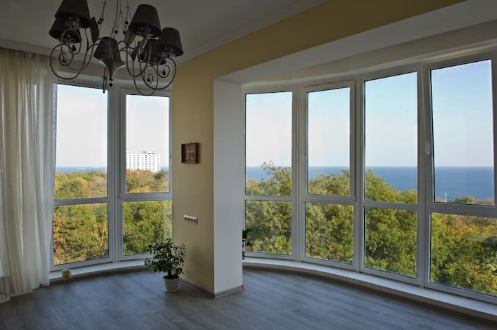Apartment with a great SEA panorama - Odesa - Departamento