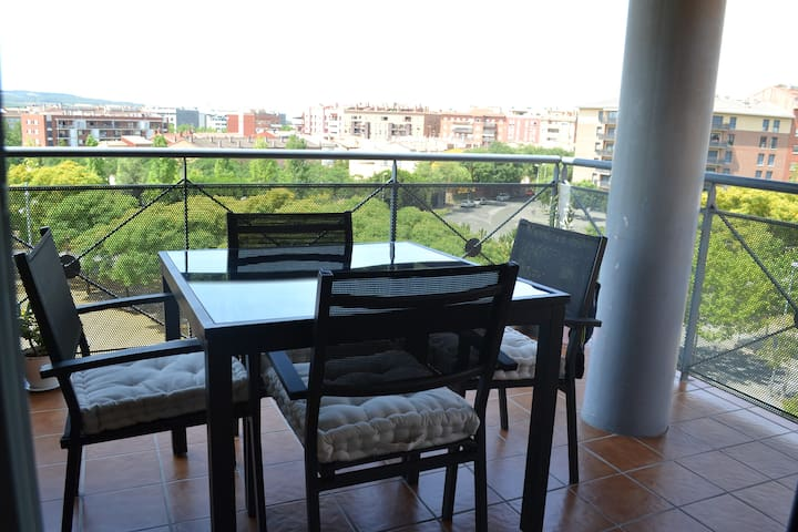 Modern apartment with balcony and roof terrace - Vilafranca del Penedès - Huoneisto