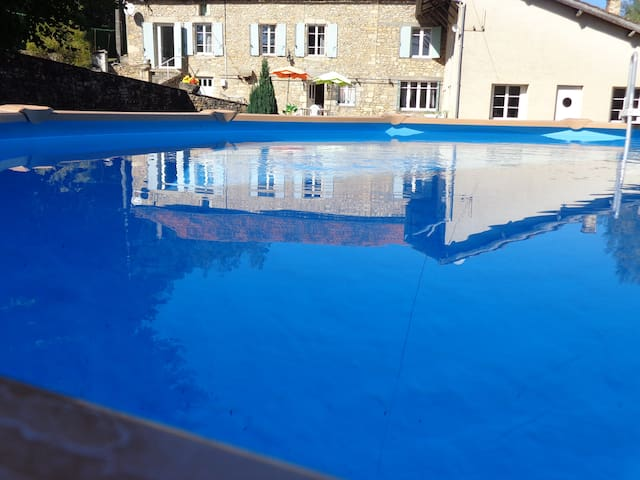 House with private pool - Saint-Cernin-de-l'Herm - Ev