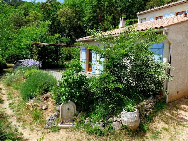 Studio de 70m² en pleine nature à Châteauvert - Chateauvert - Aarde Huis