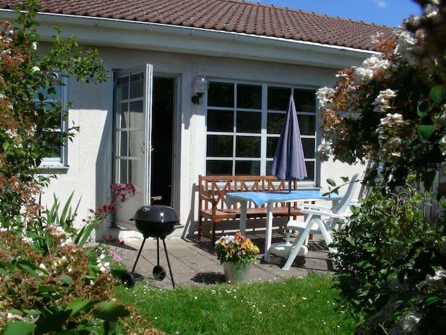 2 Room Terrace-house w Sunny Patio - 維斯比(Visby) - 公寓