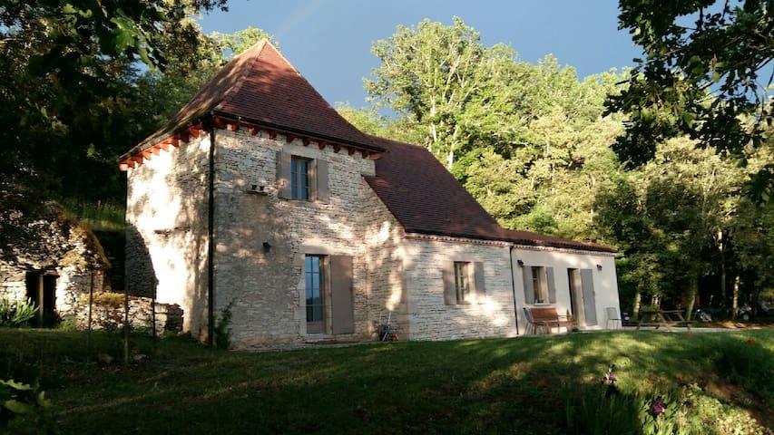 Maison vue sur la vallée de la Dordogne - La Roque-Gageac - Talo