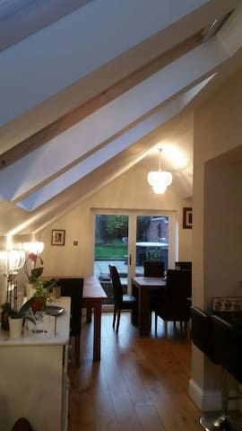 Beautiful, clean & modern townhouse - Henley-on-Thames - Huis