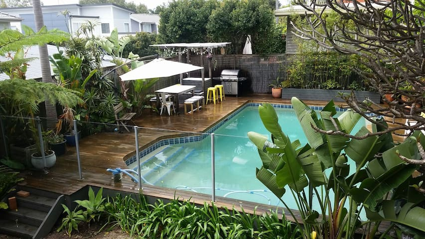 3 Bedroom Gem on Northern Beaches with Pool - North Manly - Otros