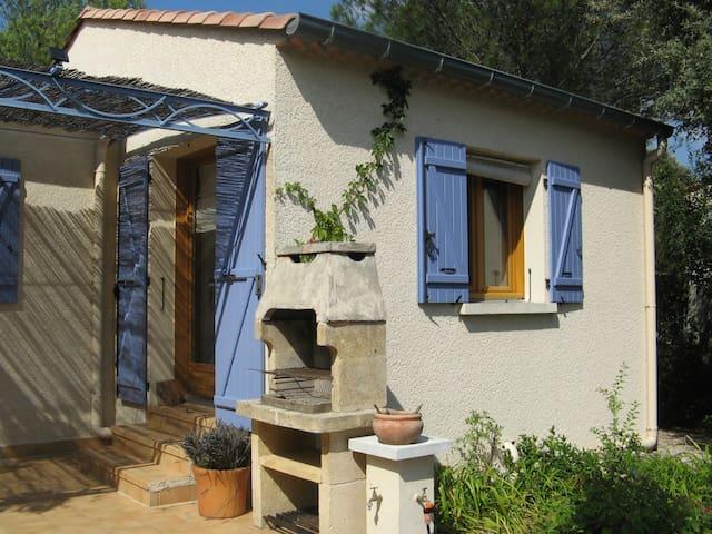 Studio à l'abri du Mistral near Uzès - Garrigues-Sainte-Eulalie - Hus