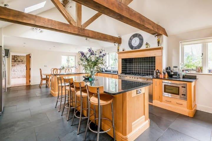 Rustic, country Clock House - Direct offer 2 - Godstone