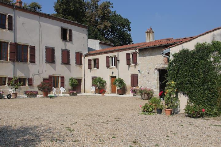 La Martre - Reignat - Huis
