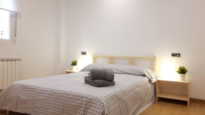 Cozy and quiet apartment with swimming pool - Cenes de la Vega - Daire