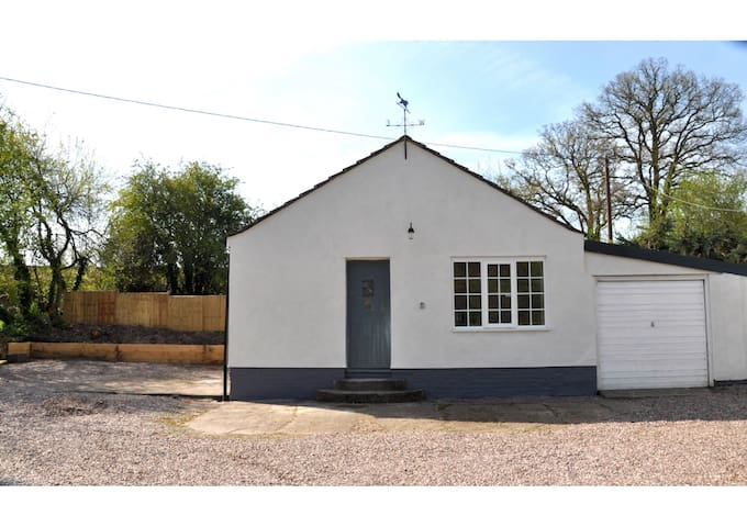 The Granary - Self contained annex - Malpas - Bungalow