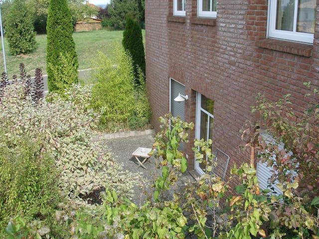 Schöne, ruhig gelegene Wohnung in Stadtrandlage - Sankt Wendel - Appartement