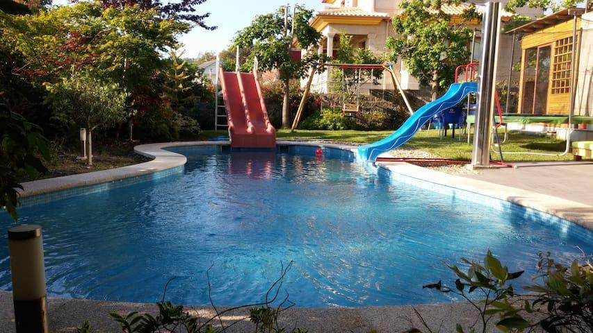 Loft with garden, pool and beach - Nerga - Loft空間