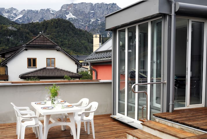 New mountainview residence at the edge of Salzburg - Hallein - Huis
