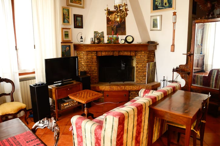 Old Town: Historic 18th century apartment - Jesi - Appartement