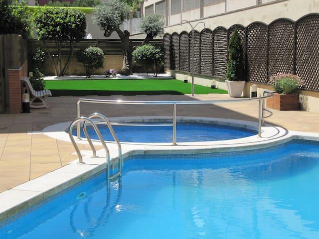 Duplex con 2 terrazas, piscina, Wifi, AC y parking - Lloret de Mar - Huoneisto