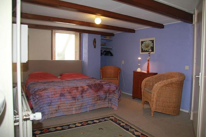 bed & breakfast 6 kamers 25,00 p/p - Haaksbergen - Bed & Breakfast