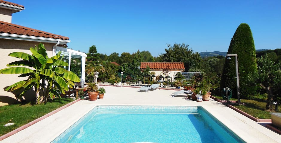 Bed and Breakfast with pool  - Dardilly - Bed & Breakfast