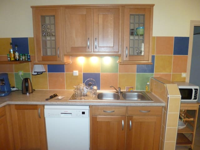 2 bedroom appartment - Les Marches - Wohnung